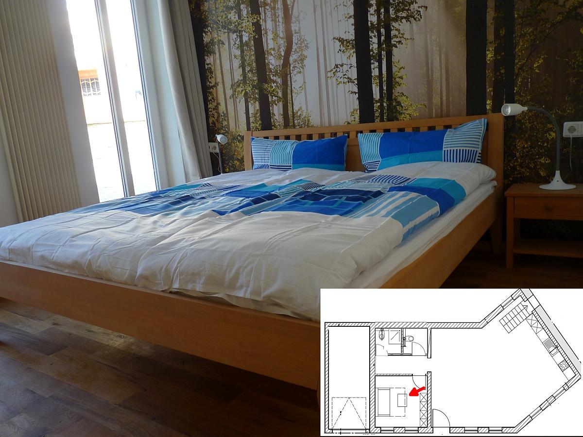 ferienhaus engelsdorf schlafzimmer des gro en ferienhaus eifel. Black Bedroom Furniture Sets. Home Design Ideas